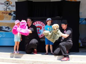 How the Puppets Work demonstration - Larrikin Puppets