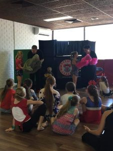 Brisbane Entertainment, Kids Entertainer, State School | Puppet Show, Puppetry Workshop - Book Week