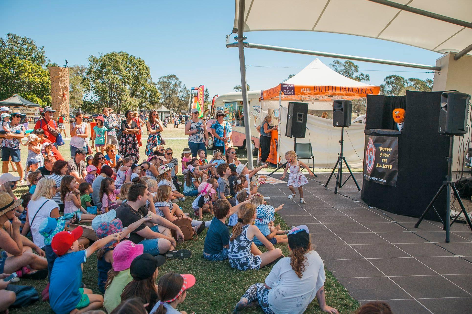 Children S Entertainers Fetes And Festivals Larrikin Puppets