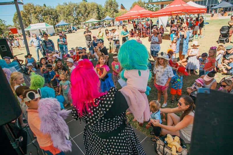 Puppet Show - Childrens Entertainers - Larrikin Puppets - Fetes and Festivals - Hervey Bay Teddy Bear's Picnic