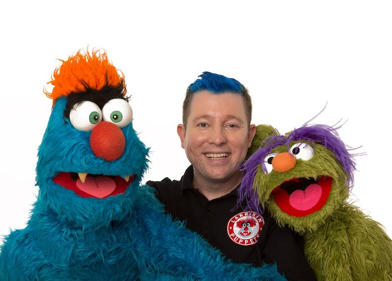 Puppet Show - Larrikin Puppets - Brisbane - Brett Hansen, Puppeteer