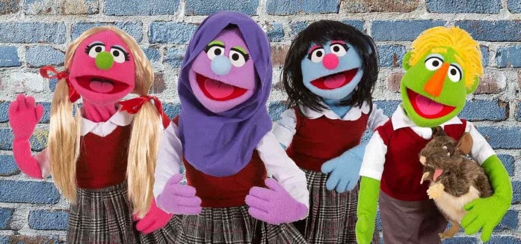 hijabi-girl-musical-puppet-show-multicultural